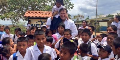 Presidente Varela se reúne con residentes de comunidades de Nole Duima en la Comarca Ngäbe Buglé